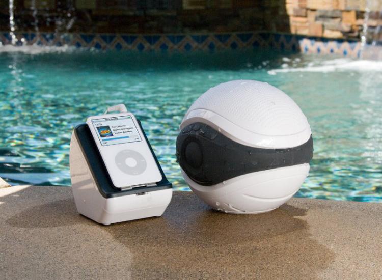 Badkamer Speaker: Muziek in de badkamer of tuin met de SpeakerBal ...